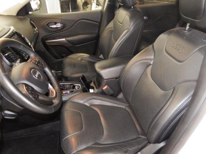 Jeep Cherokee 2019 price $23,995