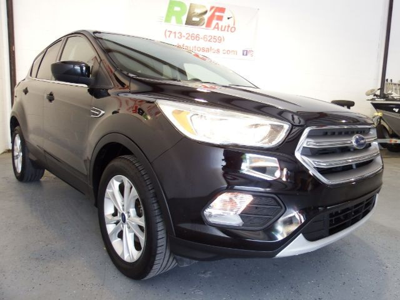 Ford Escape 2017 price $13,995