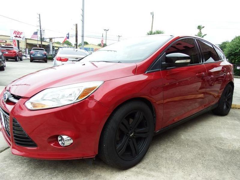 Ford Focus 2012 price $9,995