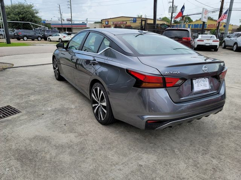 Nissan Altima 2020 price $21,995