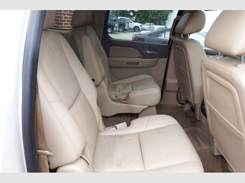 Chevrolet Suburban 1500 2013 price $22,995