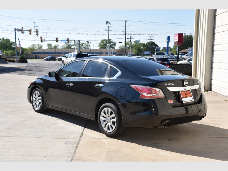 Nissan Altima 2016 price $1,350 Down