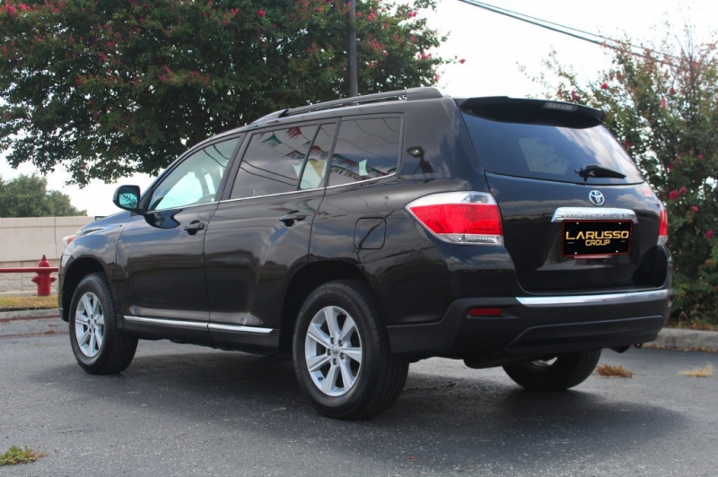 Toyota Highlander 2013 price $1,800 Down
