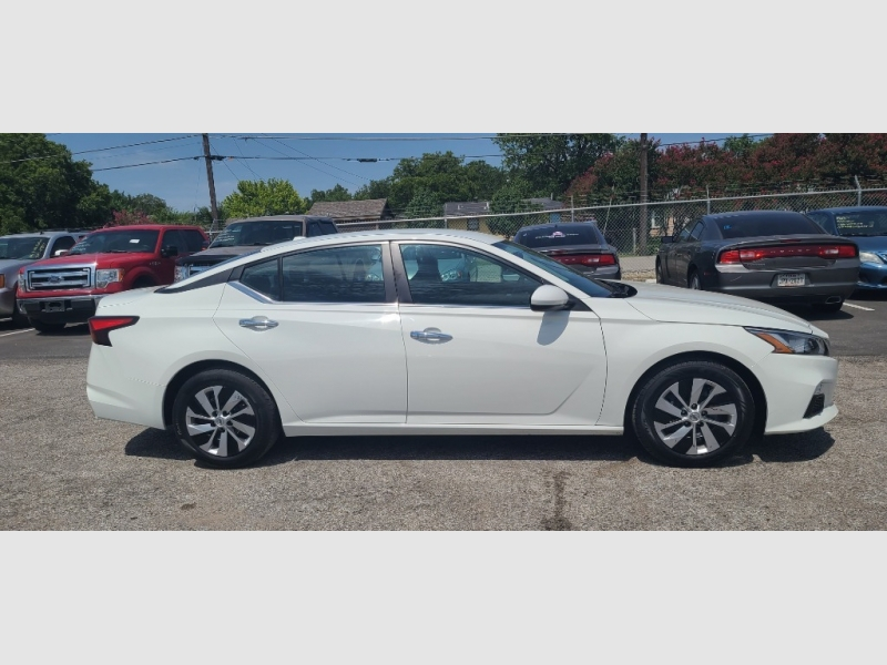 Nissan Altima 2019 price $3,500 Down