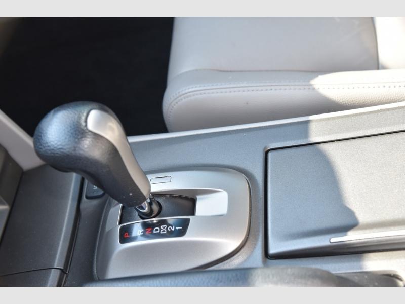 Honda Accord Sdn 2012 price $1,000 Down