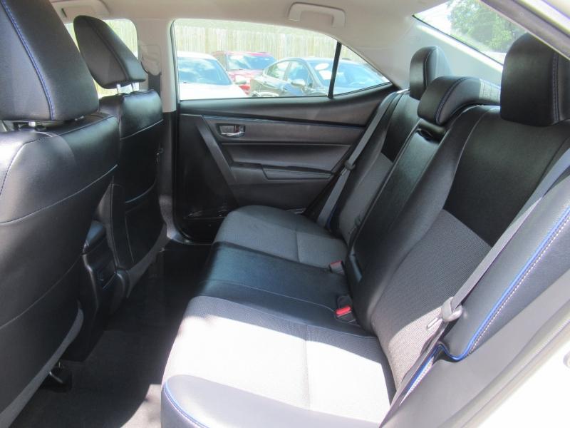 Toyota Corolla 2018 price $2,995