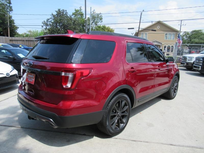Ford Explorer 2017 price $3,995