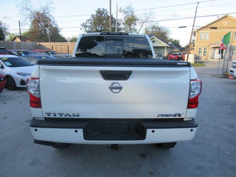 Nissan Titan 2018 price $6,495