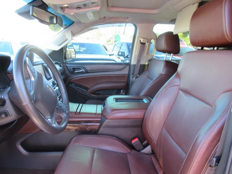 Chevrolet Suburban 2015 price $5,995
