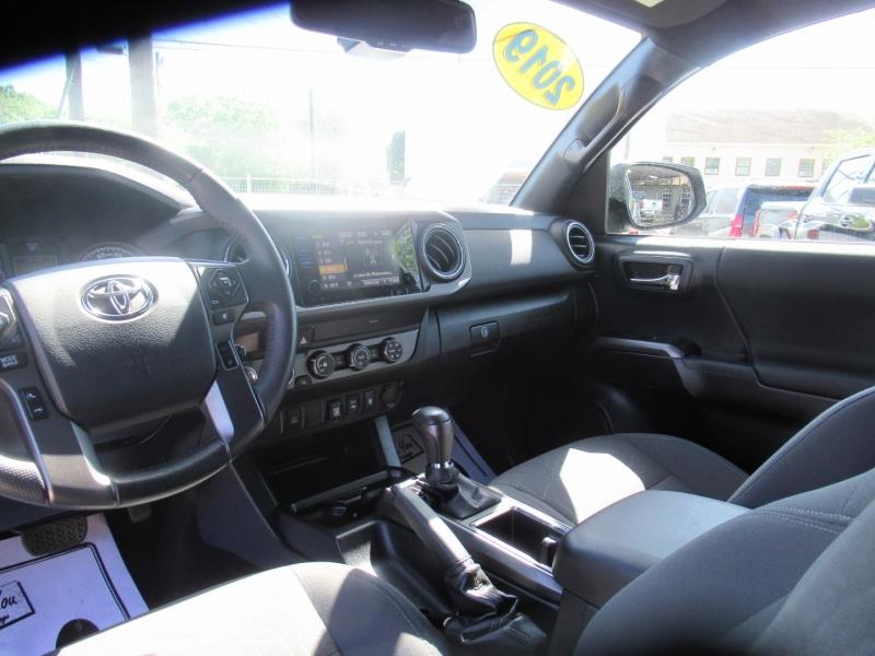 Toyota Tacoma 4WD 2019 price $5,495