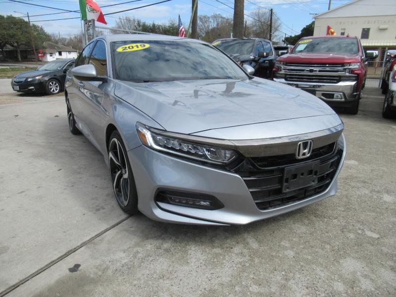 Honda Accord Sedan 2019 price $3,995