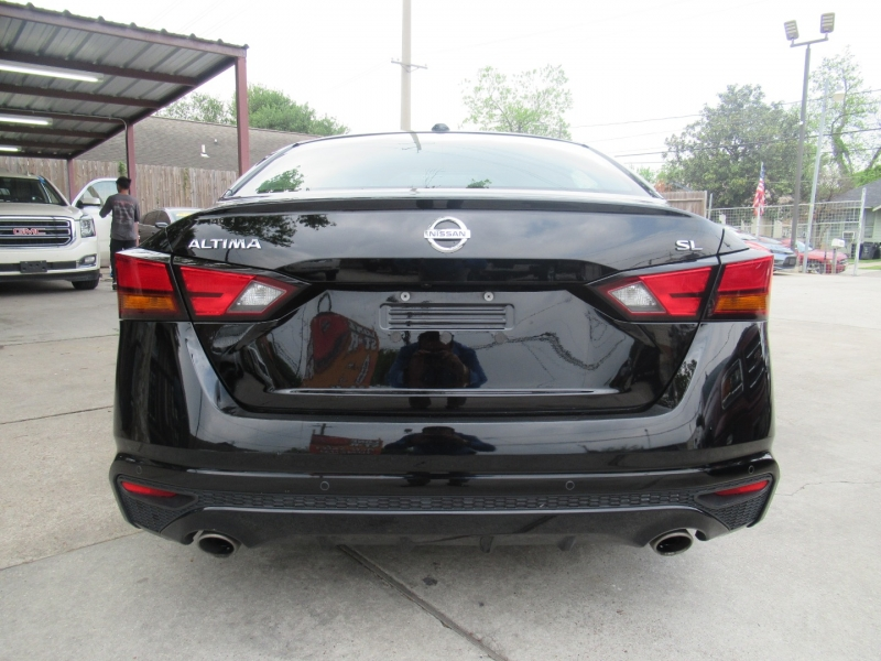 Nissan Altima 2019 price $3,995