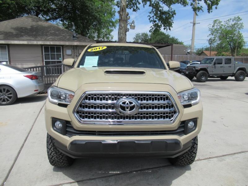 Toyota Tacoma 2017 price $5,995