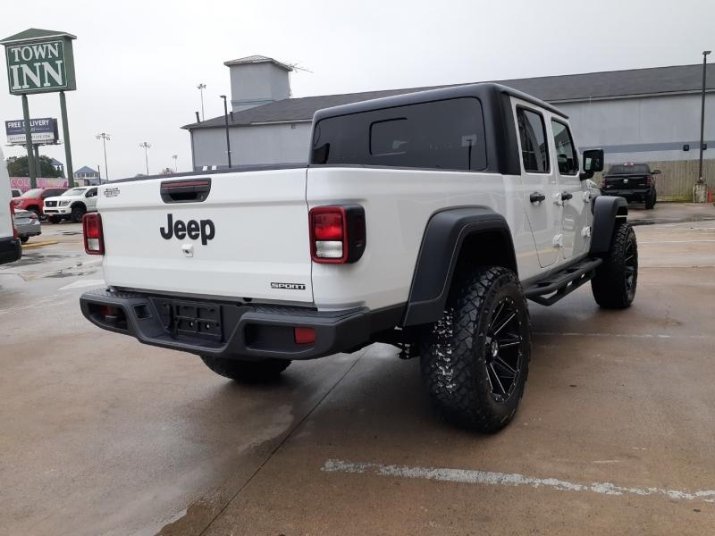Jeep Gladiator 2020 price $7,995