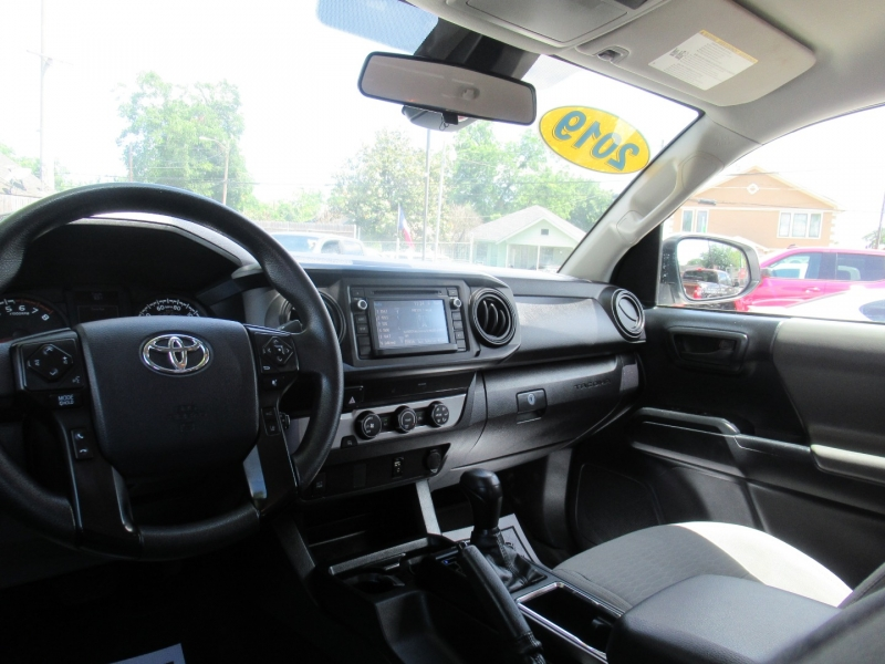 Toyota Tacoma 2WD 2019 price $5,995