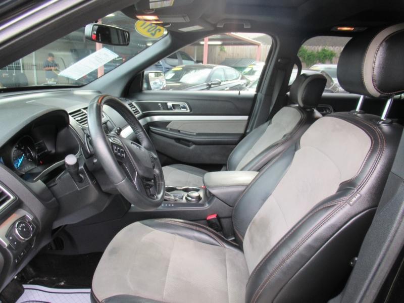 Ford Explorer 2017 price $4,995
