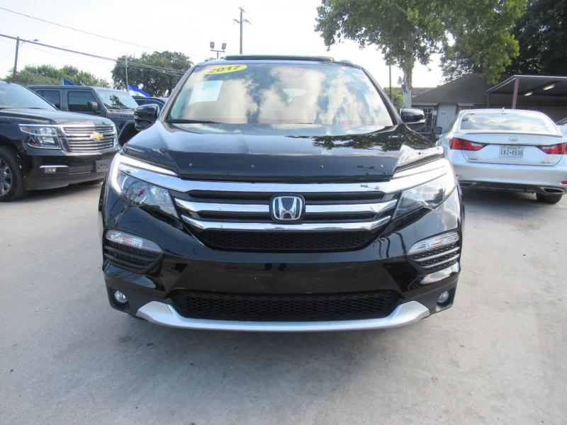 Honda Pilot 2017 price $4,995
