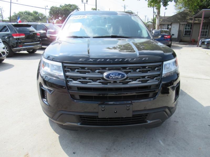 Ford Explorer 2018 price $4,995