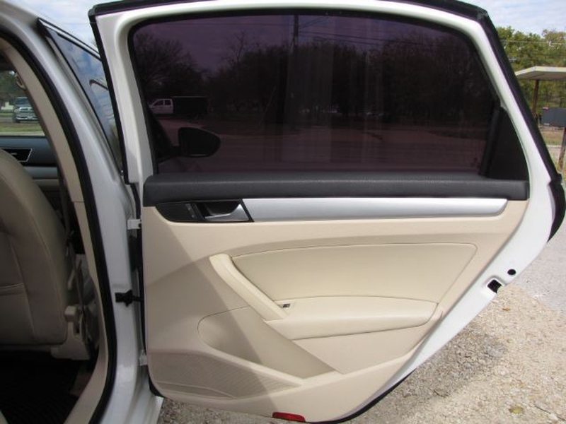 Volkswagen Passat 2012 price $6,000