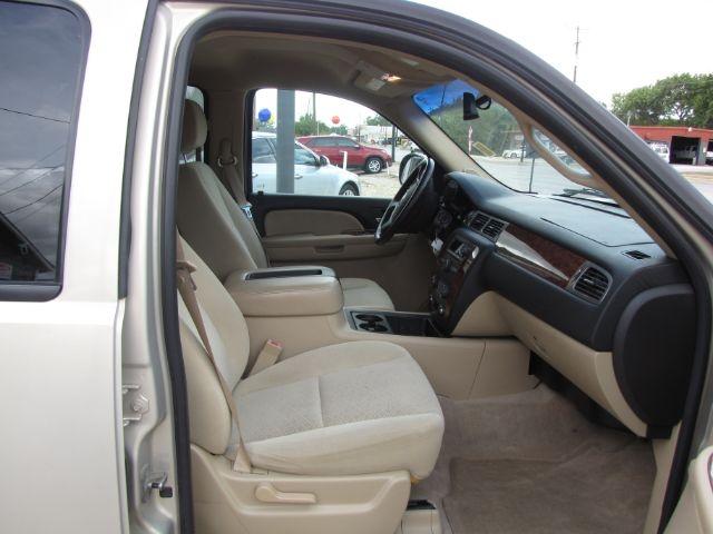 Chevrolet Suburban 2007 price $13,000