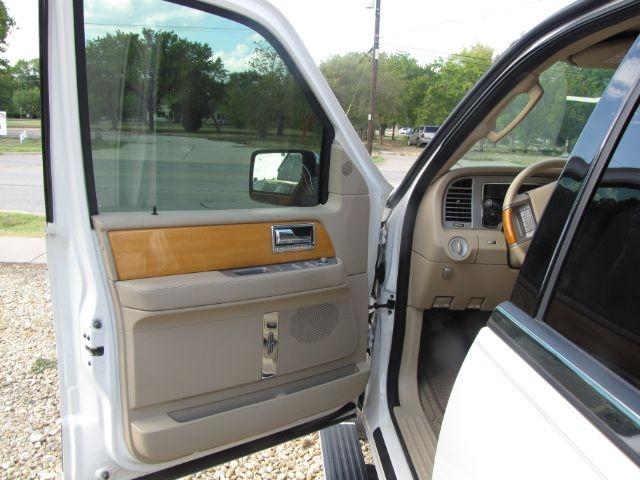 Lincoln Navigator 2008 price $16,000