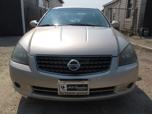 Nissan Altima 2005 price $8,000