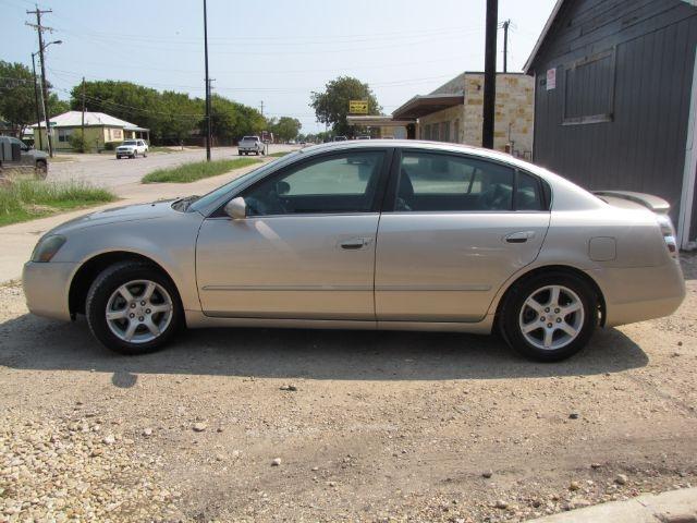 Nissan Altima 2005 price $4,000