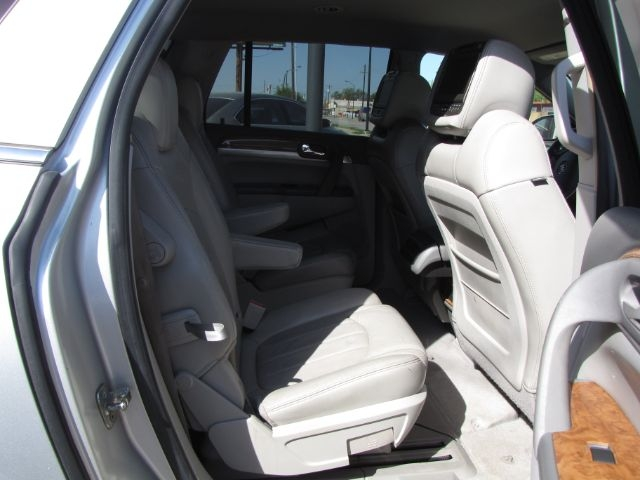 Buick Enclave 2009 price $8,000