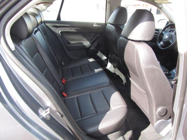 Volkswagen Jetta 2010 price $6,000
