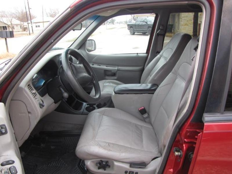 Ford Explorer 2000 price $2,295