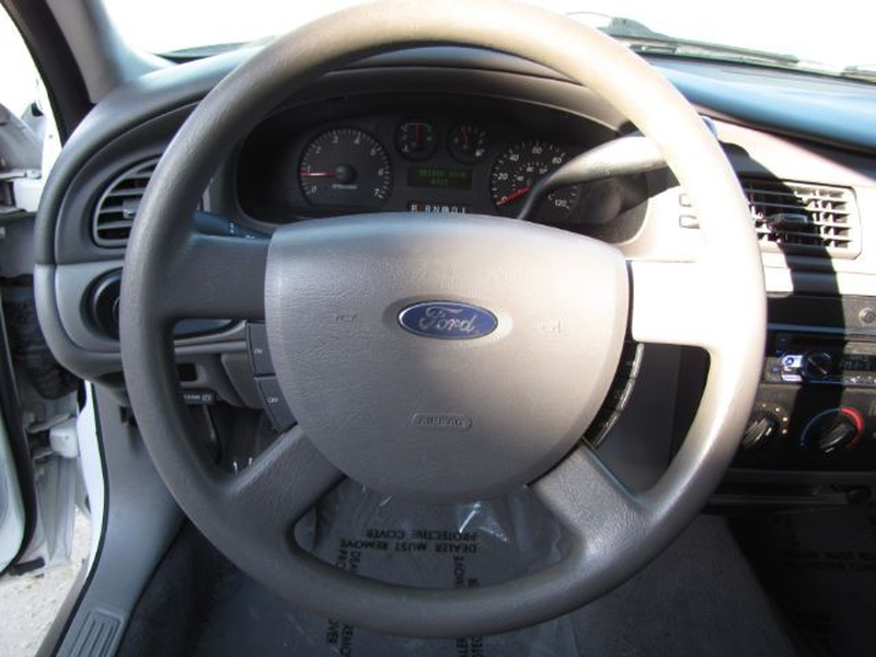 Ford Taurus 2004 price $3,999