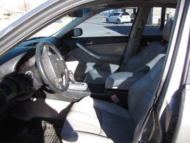 Infiniti G35 Sedan 2006 price $4,000 Cash