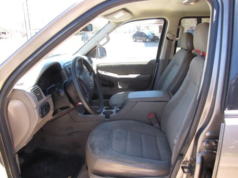 Ford Explorer 2004 price $4,999 Cash