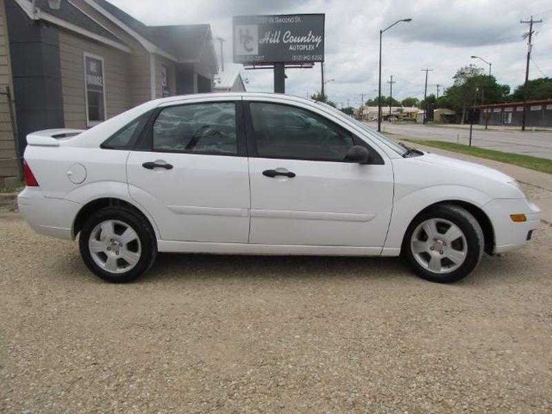 Ford Focus 2006 price $3,999 Cash
