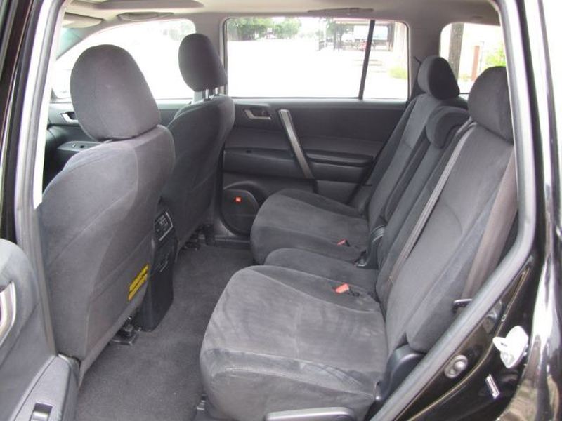 Toyota Highlander 2009 price $17,000