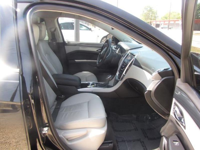 Cadillac SRX 2015 price $18,000