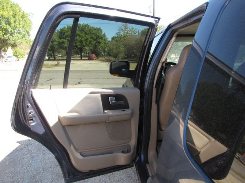 Ford Expedition 2004 price $6,000 Cash