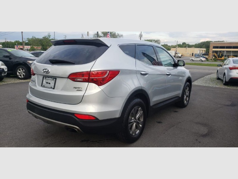 Hyundai Santa Fe 2016 price $15,900 Cash