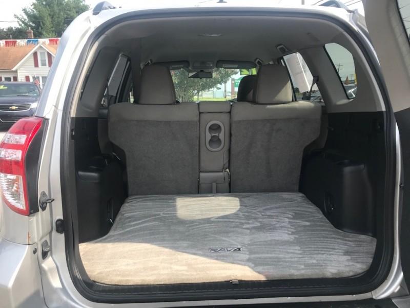 Toyota RAV4 2012 price $12,900 Cash