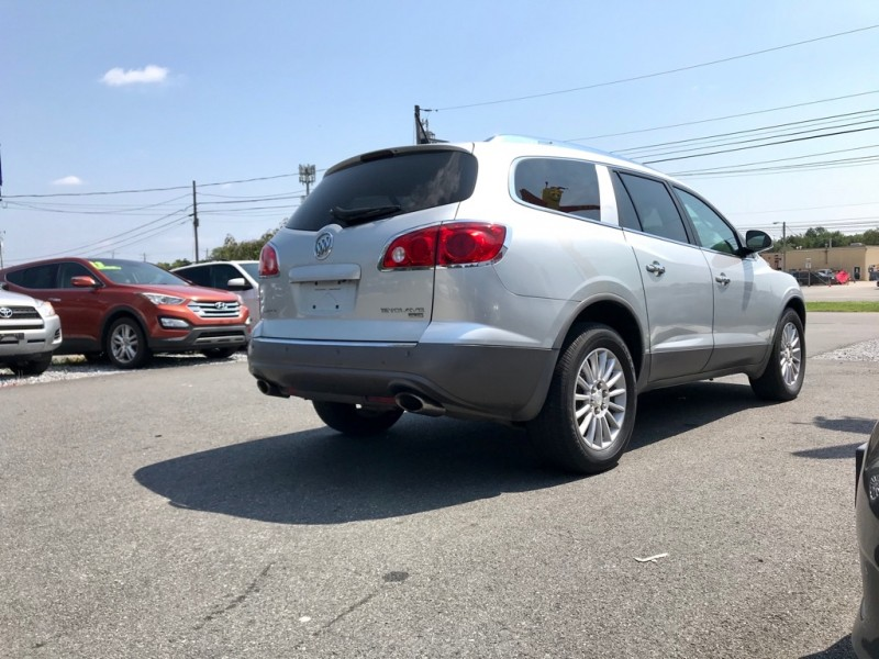 Buick Enclave 2011 price $13,500 Cash