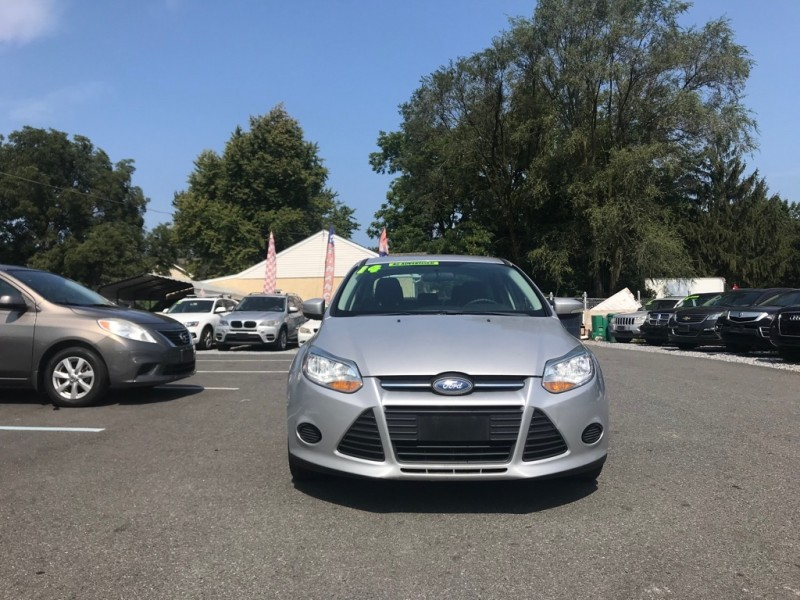 Ford Focus 2014 price $3,000 Down