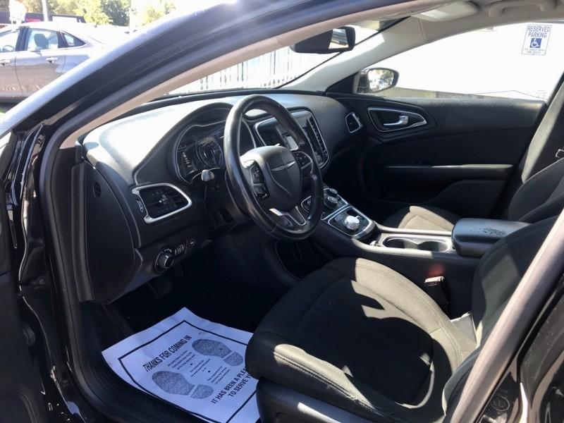 Chrysler 200-Series 2015 price $12,450 Cash