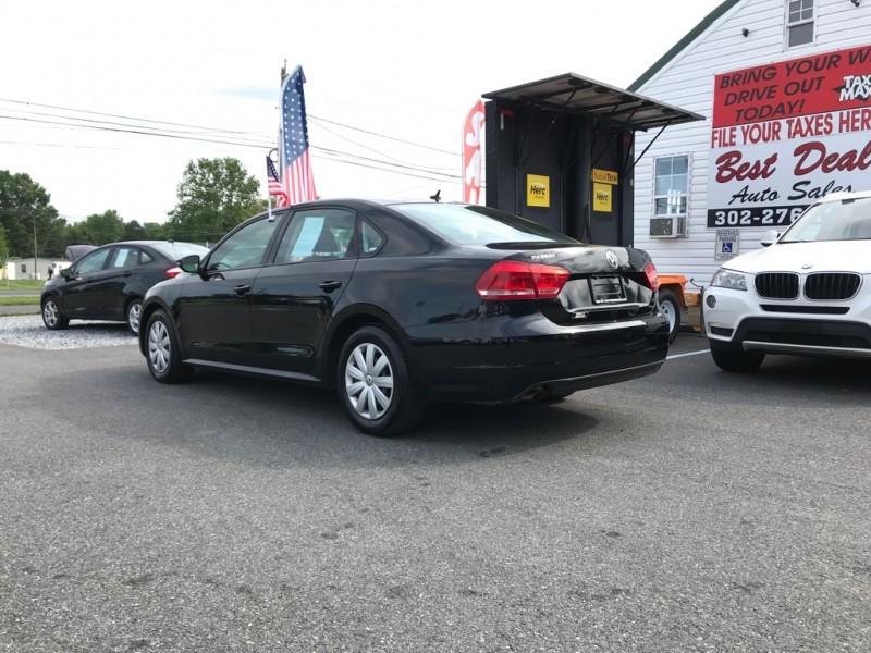 Volkswagen Passat 2012 price Call For Price