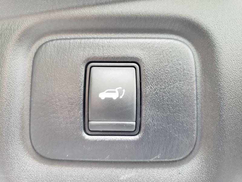 Nissan Pathfinder 2018 price $32,995