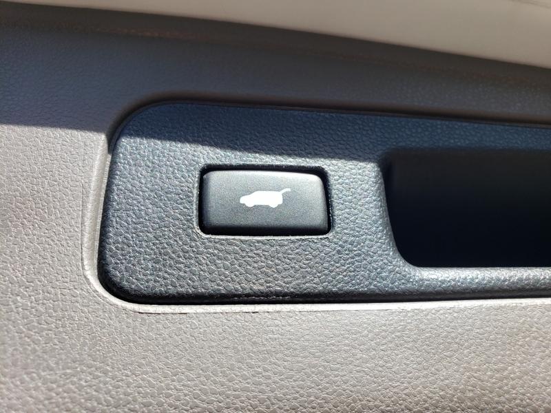 Honda Odyssey 2015 price $21,995