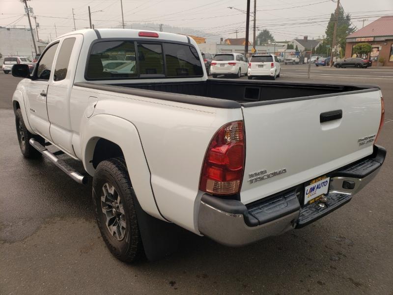 Toyota Tacoma 2006 price $11,995