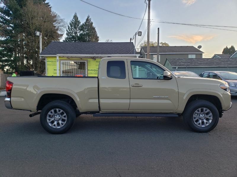 Toyota Tacoma 2018 price $27,995