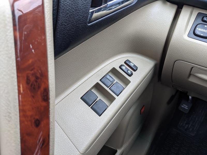 Toyota Highlander 2011 price $22,995