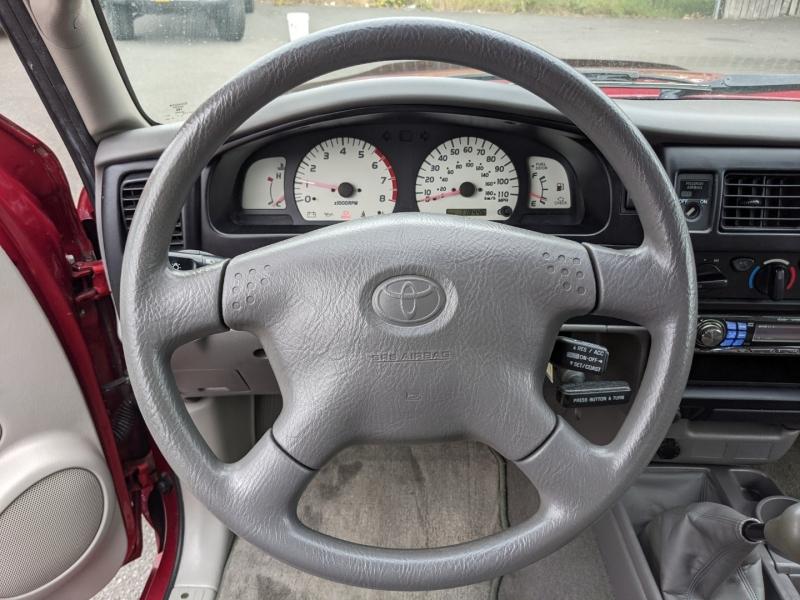 Toyota Tacoma 2002 price $10,995