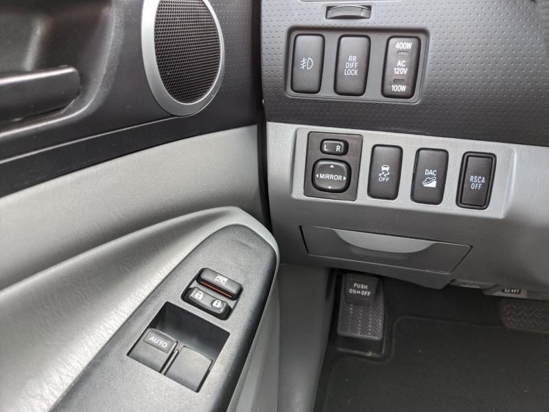 Toyota Tacoma 2012 price $26,995